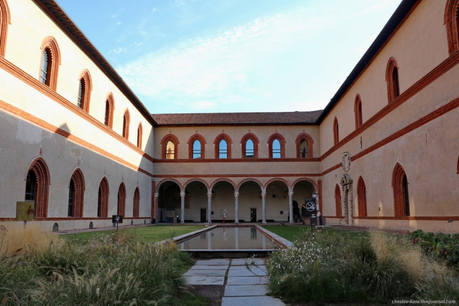 36 12 Милан, Castello Sforzesco _430.JPG