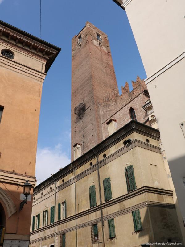 30 30 Мантуя _1410 Torre della Gabbia.JPG