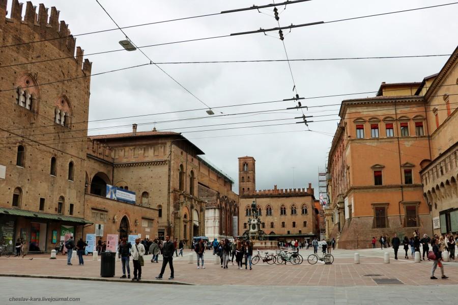 16 50 Болонья _1460 Piazza del Nettuno.JPG