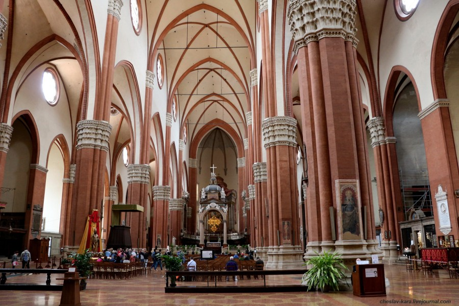 36 50 Болонья _1830 Basilica di San Petronio.JPG