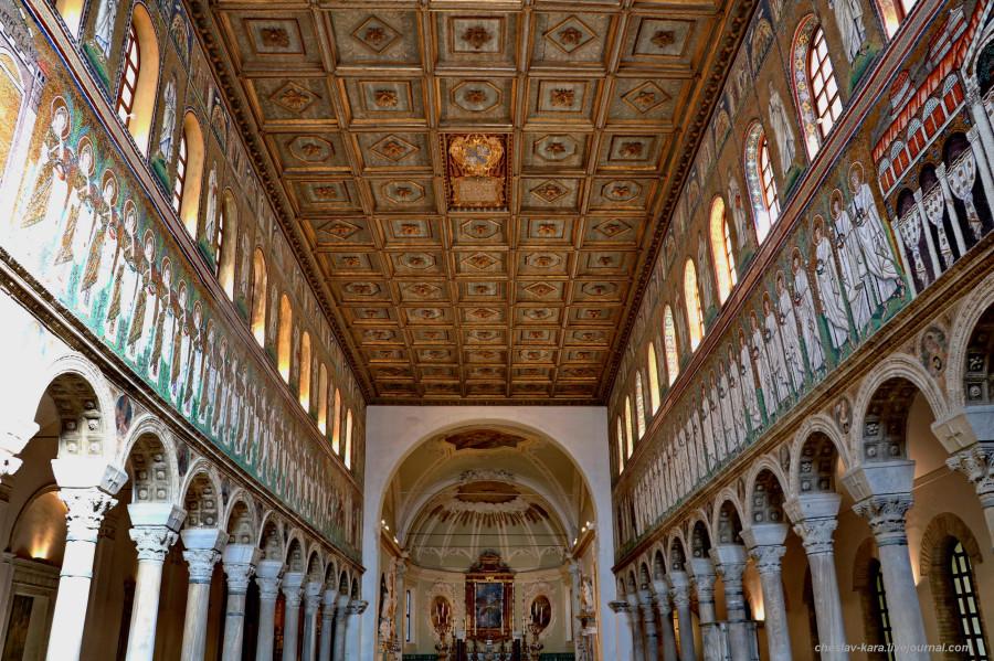 56 60 Равенна _3270 Базилика Сант-Аполлинаре-Нуово.JPG