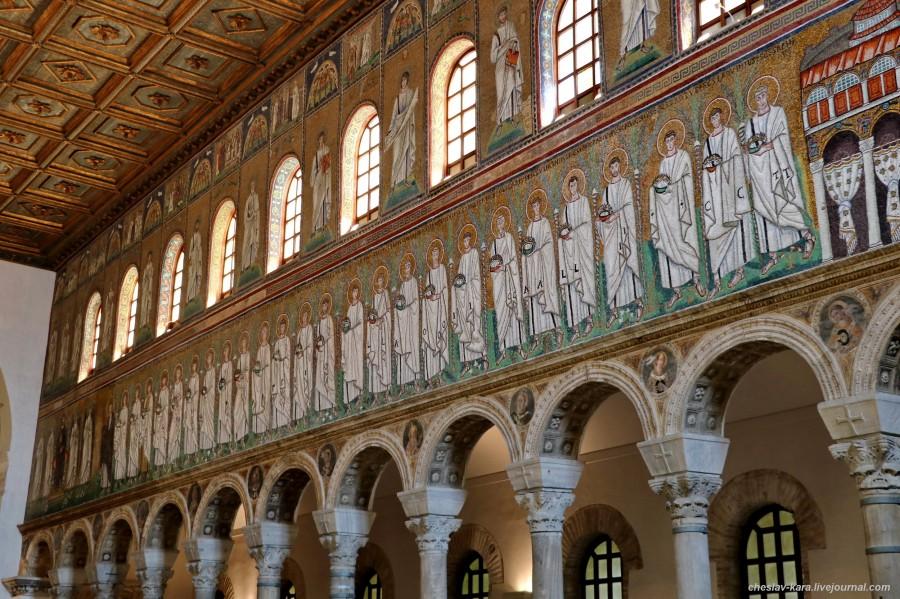64 60 Равенна _3430  Базилика Сант-Аполлинаре-Нуово  процессия мучеников.JPG