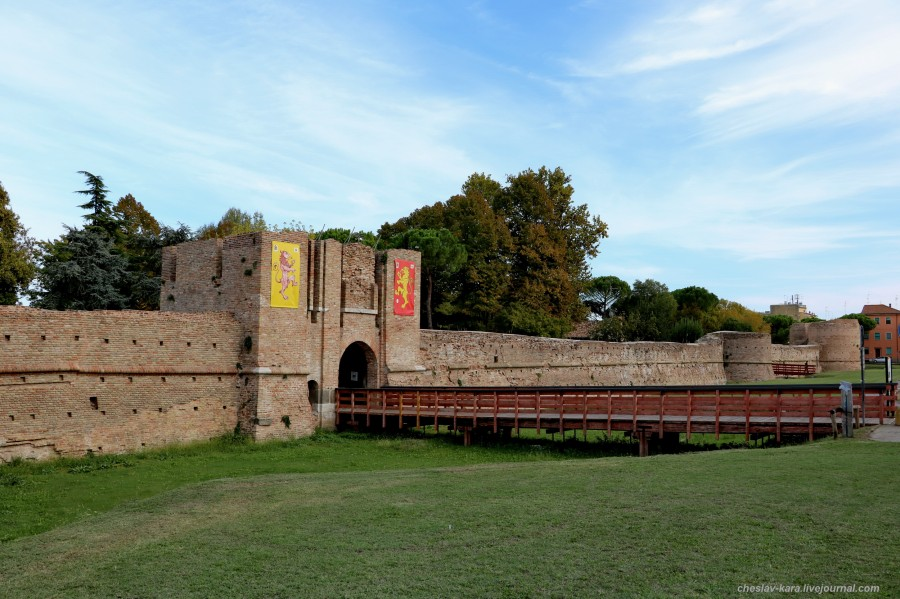 74 60 Равенна _3960 крепость Рокка Бранкалеоне.JPG