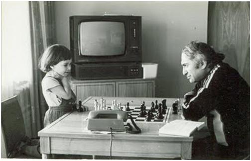 Что уместней восхищаться или сожалеть? (Об игре шахматной элиты)