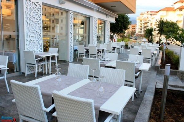 dinner_restaurant_5