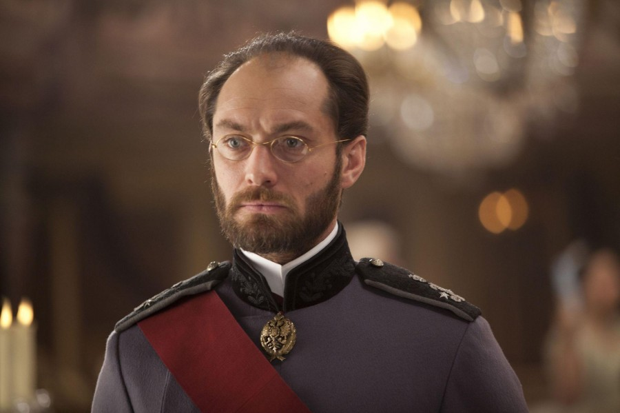 still-of-jude-law-in-anna-karenina