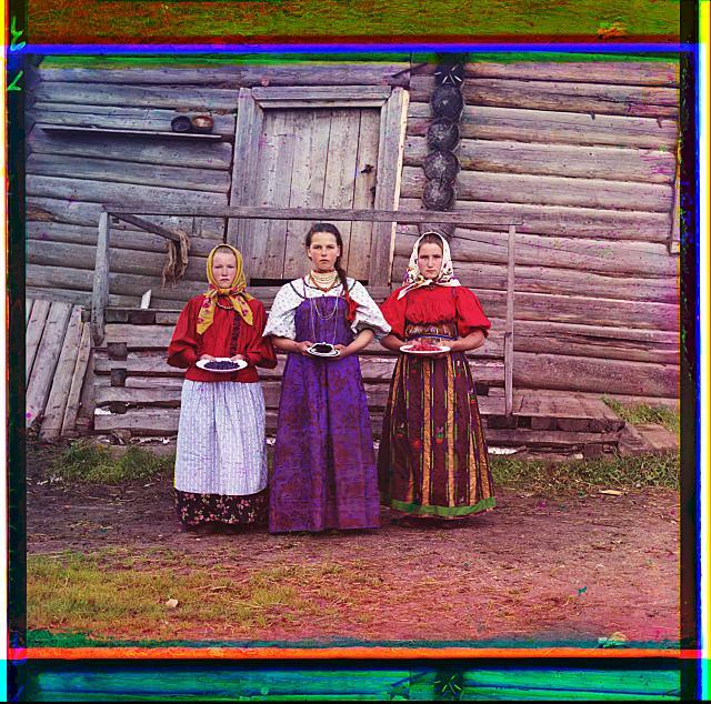 Сергей Михайлович Прокудин-Горский. Крестьянские девушки, 1909