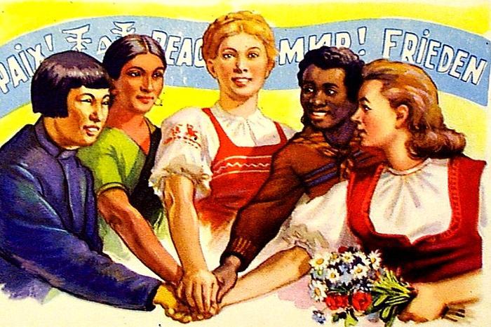Меня на этой картинке несколько смущает то, что белых женщин на ней целых две, да и светло-смуглая ироничная индианка явно примазывается к белой расе, а представители жёлто- и чернокожих выглядят. как выпускники школы для альтернативно одарённых, счастливых тем, что можно коснуться руки белой мэм-сахиб, но, что делать, портфель не мой, художник ТАК видит, сами попробуйте догадаться, что он этим хотел сказать.
