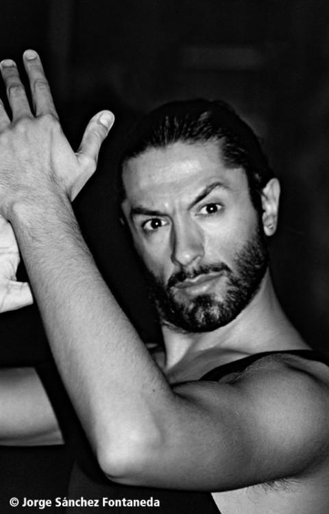 Rafael-Amargo-desnudo-en-Interviu-480x749
