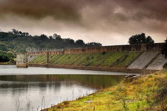 Roman_Cornalvo_dam,_Extremadura,_Spain._Pic_01
