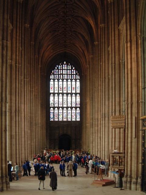 Canterbury_-_Hauptschiff_der_Kathedrale.1