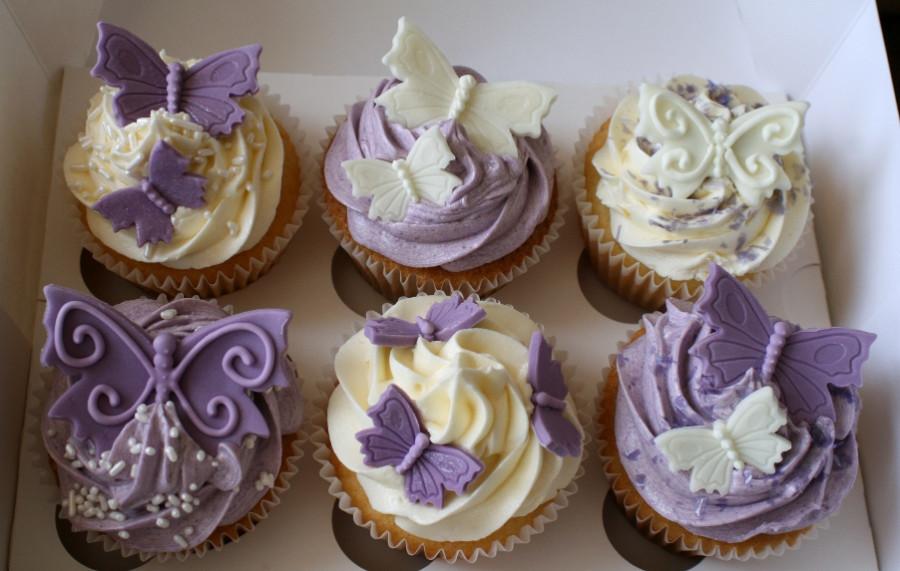 lavender-and-lemon-wedding-cupcakes