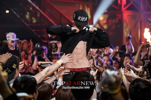 Smtm3 ep 7 performances bobby flashes abs omona they for Living together in empty room ep 10