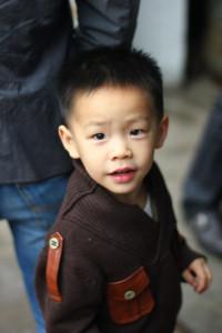 В Китайской народной республике нет ни детских домов, ни беспризорников. Там не принимают сиротских законов