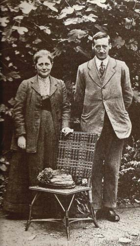 potter_and_william_heelis_at_bolton_gardens__19131
