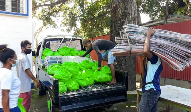 Действия по оказанию помощи осуществляются в соответствии с мерами безопасности, требуемыми правительством. Альберто душ Рейс Мендонка, бахаи из сильно пострадавшего района Масин-Лидун в Дили, говорит: «Каждый день мы действуем и размышляем, а  затем планируем действия на следующий день».