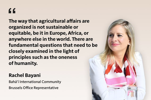 «То, как организованы дела в сельском хозяйстве, нельзя назвать ни устойчивым, ни справедливым, будь то в Европе, Африке или где-либо ещё в мире. Есть фундаментальные вопросы, которые необходимо внимательно изучить в свете таких принципов, как единство человечества».