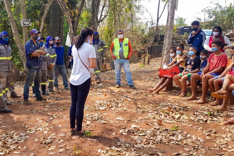 Обеспокоенная состоянием экологии в своём районе, молодёжь, участвующая в деятельности по построению общины бахаи, недавно заручилась поддержкой своего муниципалитета и вывезла 12 тонн мусора из местной реки.