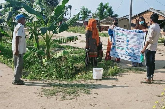 В марте бахаи Непала предприняли первые шаги, чтобы проинформировать своих сограждан о профилактических мерах по охране здоровья, при этом соблюдая безопасную дистанцию и при необходимости используя защитное снаряжение.