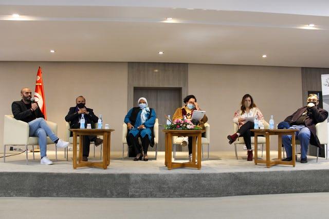 На встрече собрались высокопоставленные гости, в том числе член парламента Джамиля Ксикси, Омар Фассатуи из Управления Верховного комиссара ООН по правам человека, а также учёные и представители религиозных общин.