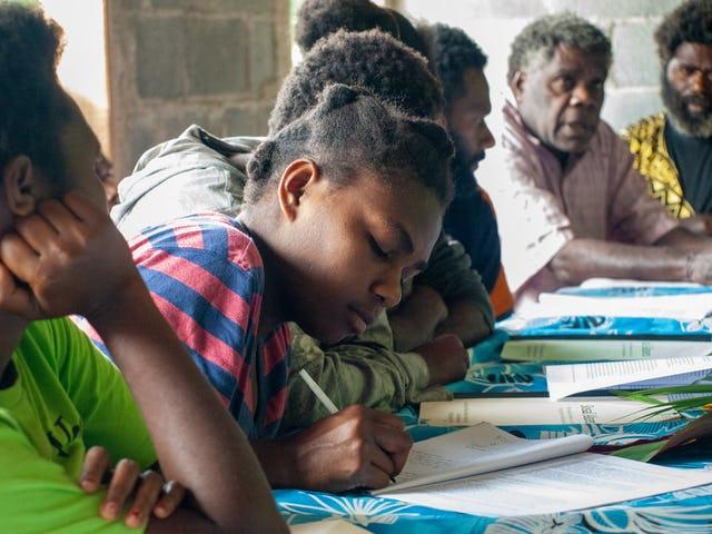 Многие виды деятельности на Вануату были разрешены правительством, в том числе личные встречи, поскольку страна по-прежнему в значительной степени свободна от коронавируса. Форум в Намасметене, о. Танна, организованный общиной бахаи, где лидеры и члены общины, включая молодёжь, обсуждали темы, связанные с материальным и духовным прогрессом своей общины.