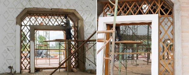 Девять дверных проёмов храма внутри и снаружи отделаны деревом и штукатуркой. Решётка вокруг каждой двери изготавливается в мастерской в районе Матунда-Сой из мвуле, — дерева, произрастающего в Восточной Африке.