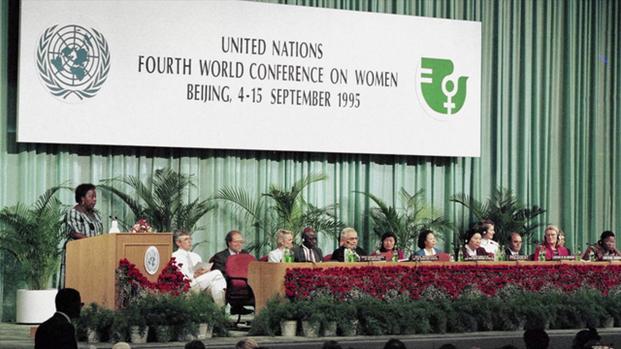 На снимке — Всемирная конференция по положению женщин 1995 года в Пекине. Конференция CSW, которая проводится в этом году в онлайн-режиме, стала крупнейшим мероприятием со времён Пекинской конференции. В ней приняли участие правительства и организации гражданского общества, заинтересованные в продвижении идей гендерного равенства.