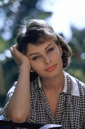 kinopoisk.ru-Sophia-Loren-393111