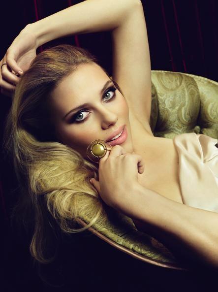 kinopoisk.ru-Scarlett-Johansson-1048996