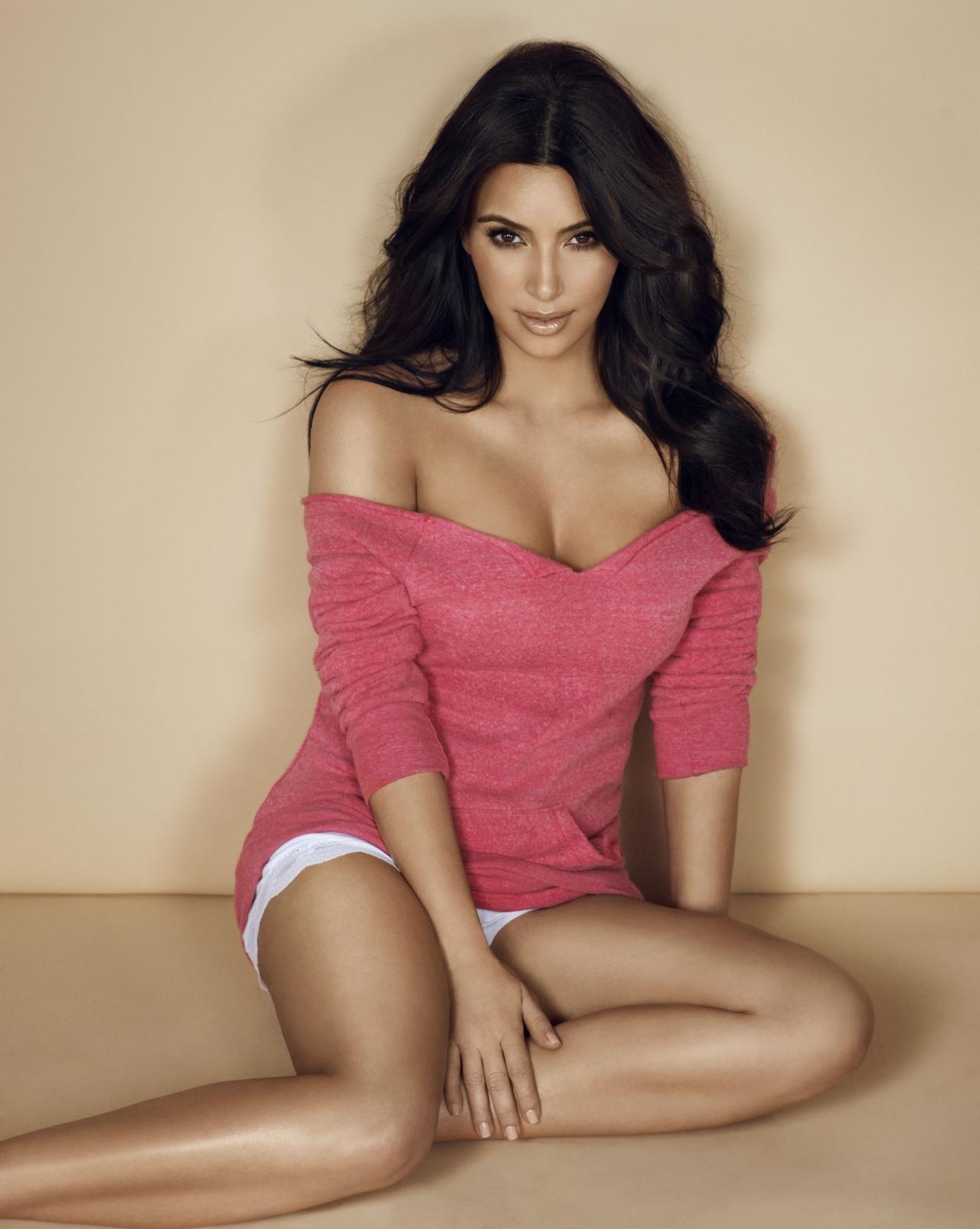 Kim_Kardashian_in_Co