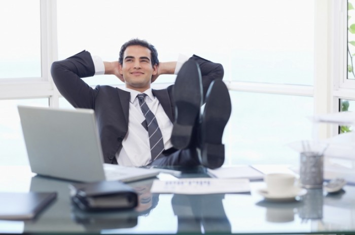 relaxing-businessman-istock_000018915137large-700x465