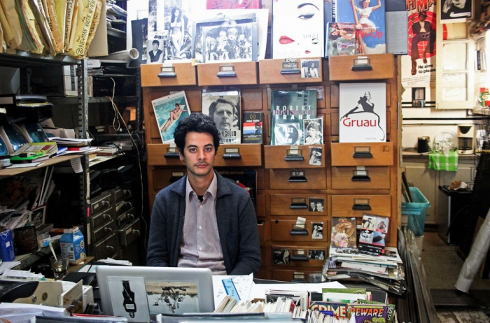 Андрей, продавец в магазине пластинок и винтажных постеров