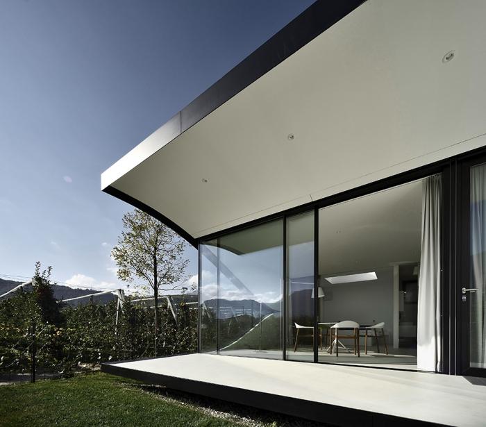 Дома с зеркальным фасадом