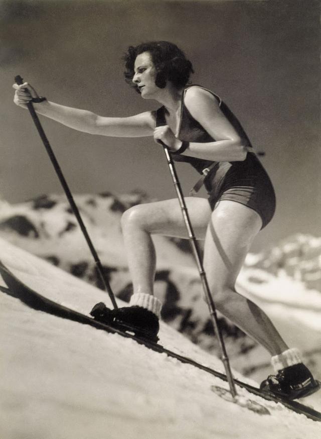 Skiers from between 1920s-30s (46).jpg