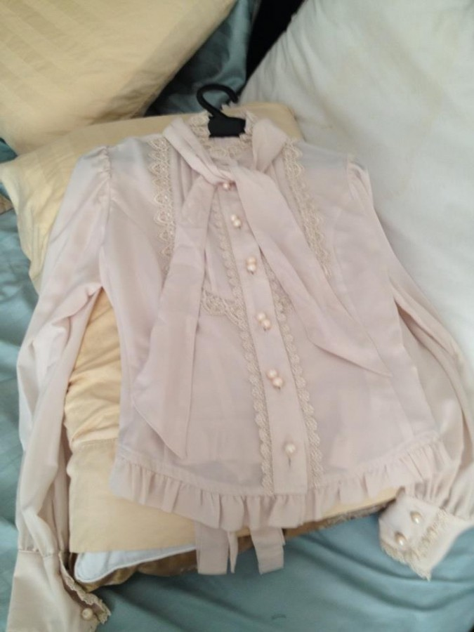 blouse138.00