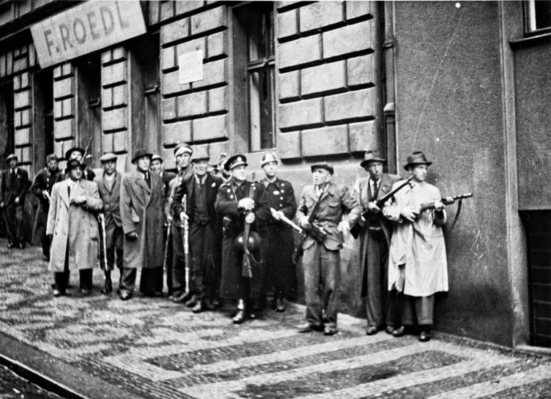 В советском плену находилось 69 977 чехов и словаков*.