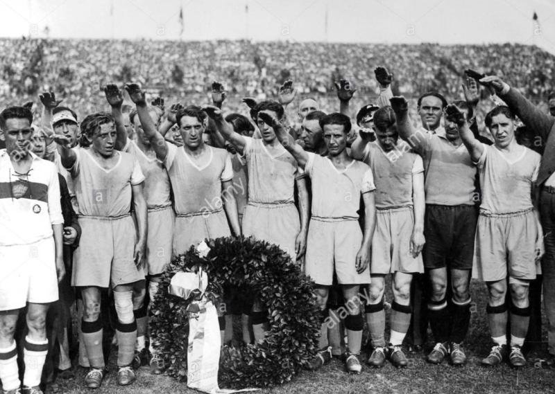 Самый титулованный футбольный клуб Третьего рейха.
