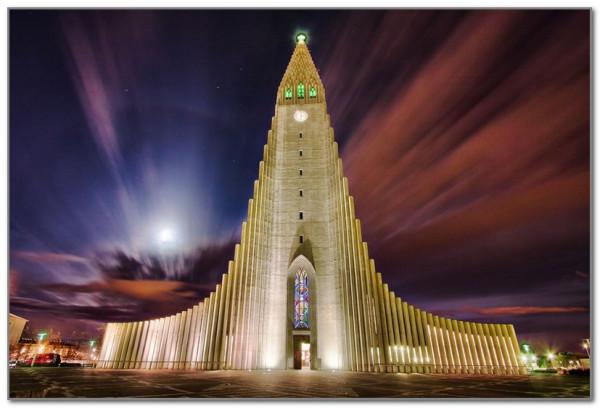 Хадльгримскиркья - самая необычная церковь в Исландии