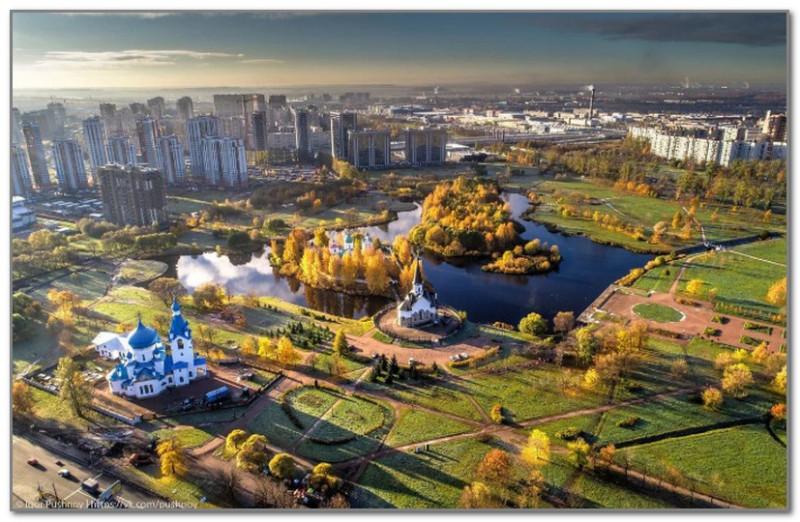 Сейчас на месте былой рогатки разбит роскошный парк