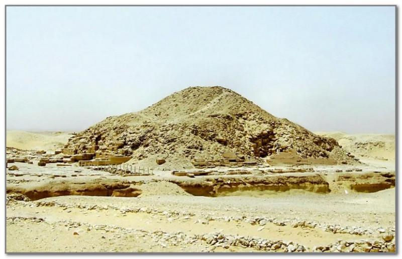 Вот как выглядит пирамида Униса в наше время