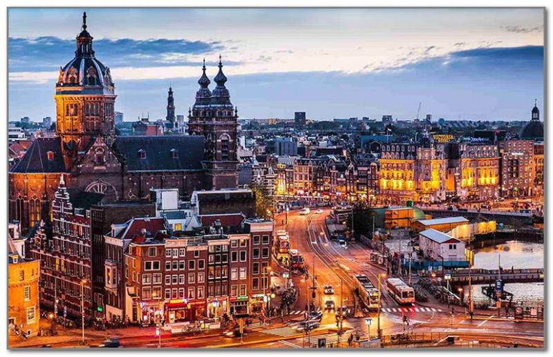 Непривычный вид Амстердама