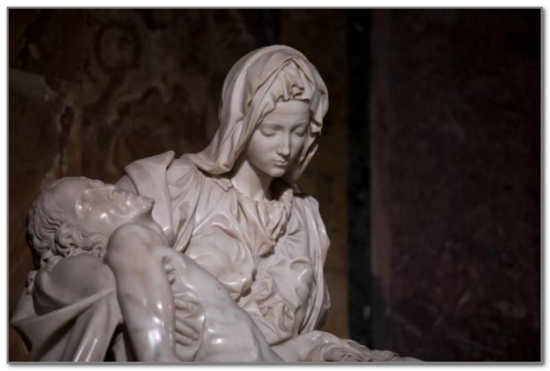 Пьета Микеланджело. Образ Девы Марии, оплакивающей своего Сына