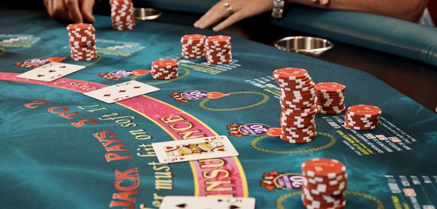 Use-casino-agent-customer-service-to-get-maximum-promotions-960x460