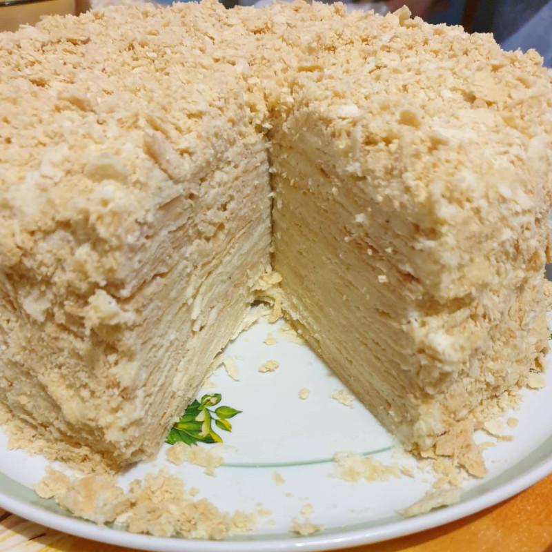 Сам торт не взвешивала, но думаю, что точно больше 2 кг ).