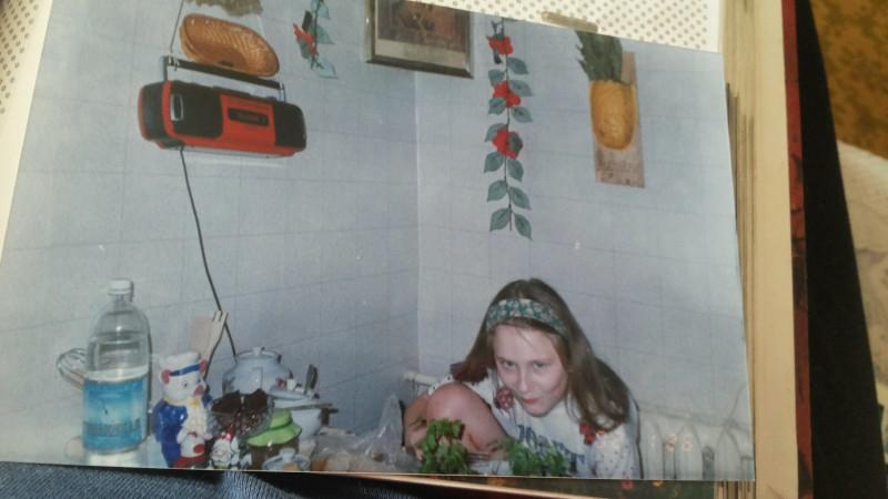 2002 год. Я. Не фотографируйте когда я ем. У меня подобных фото целая серия.