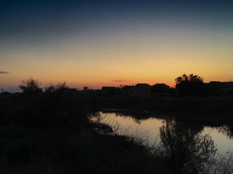 Закат в посёлке Володарском