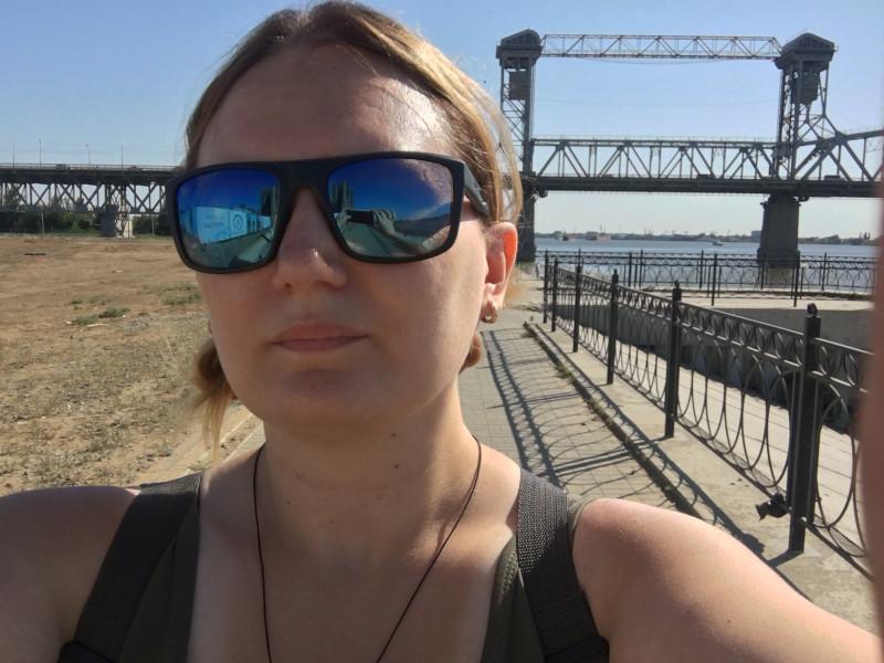 Я гуляю у старого моста