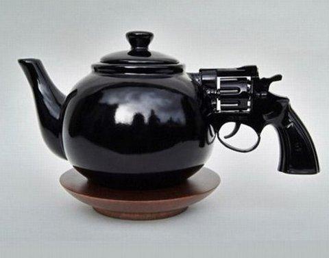 чайник-револьвер