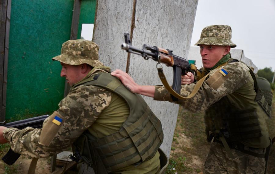 Украинские солдаты - главное слабое место учебно-боевого центра Яворова