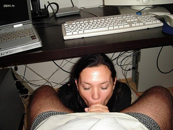 спермы, много отсосала за компьютер шикарная женщина чулках